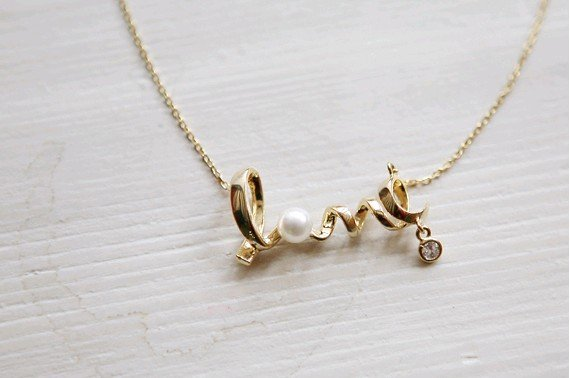 Wholesale Gold LOVE Fashion Necklace